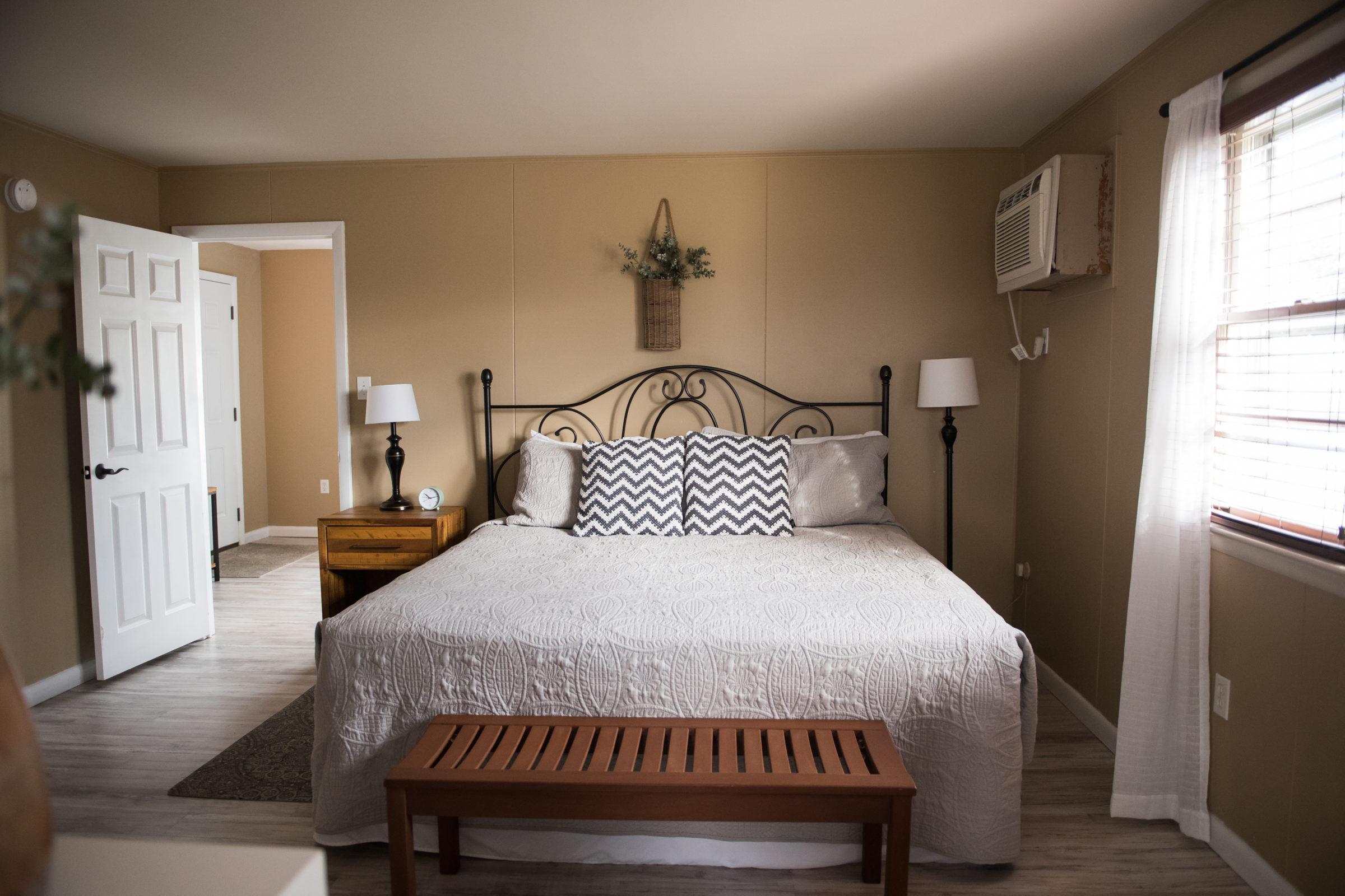 King Suite Bedroom.jpeg(high res) (website)